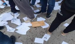 جزائريون اقتحموا مراكز اقتراع ومزقوا الأوراق بداخلها