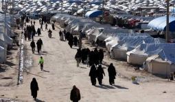 مجموعة من النساء في مخيم الهول بريف الحسكة