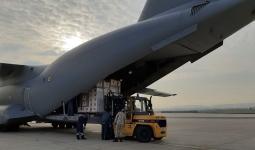 لحظات تحميل الطائرة التركية بالمساعدات الطبية لإيطاليا وإسبانيا