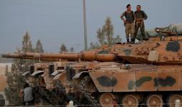 عنصران من ميليشيات الأسد في سوريا.