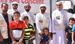 وفد إماراتي مع أطفال سوريين.jpg