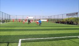 ملعب كرة قدم للاجئين السوريين في تركيا