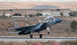 طائرة حربية إسرائيلية لحظة الإقلاع