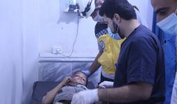 إنقاذ الدفاع المدني للمصابين في إدلب