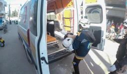 الدفاع المدني ينقل المصابين في سرمين 31 12 2020