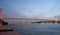 Bosphorus_Bridge جسر البوسفور في إسطنبول