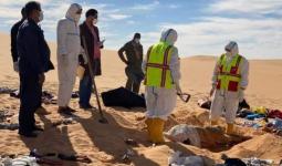 آثر الحادث وجثث العائلة السودانية وسط الصحراء