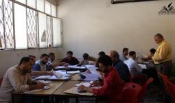 أثناء تصحيح أوراق الامتحان في إدلب