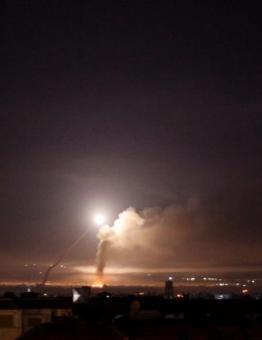 القصف طال مطار الشعيرات بحمص