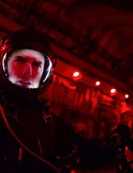 سيكون أول فيلم روائي طويل - مغامرة وأكشن - يتم تصويره في الفضاء الخارجي.