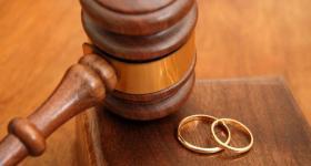 الحجر المنزلي تسبب في مشاكل بين الزوجين