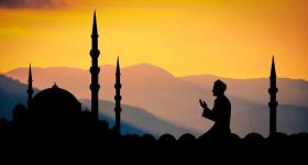كانتدول مثل موريتانيا ومالي والنيجر، أعلنت ثبوت رؤية هلال شوال، مساء الجمعة