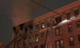 الحريق شب في شقة بالطابق السادس وإن أربع سيدات من شقتين مجاورتين