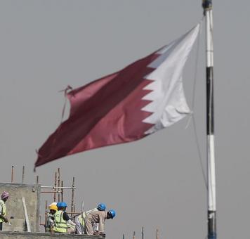 عمال ضمن أحد المشاريع في دولة قطر