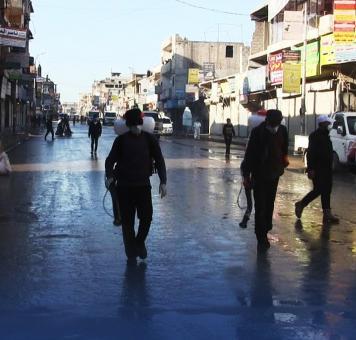 صورة لتعقيم شوارع الرقة ضمن إجراءات كورونا