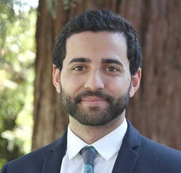 حسن الشهاوي مسلم من أصول مصرية يرأس مجلة هارفار القانونية