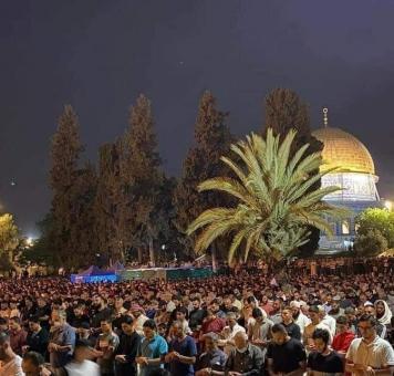 صلاة ليلة السابع والعشرين من رمضان في القدس