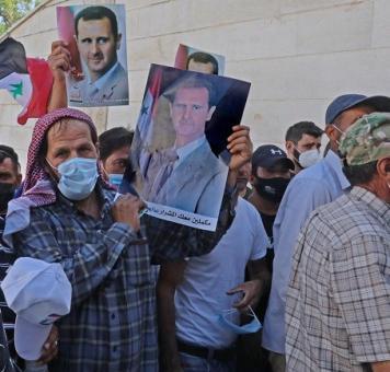 سوريون ينتخبون الأسد في لبنان