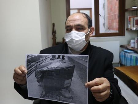 التركي يعرض صورة للصندوق الكرتوني الذي نقل به الطحال