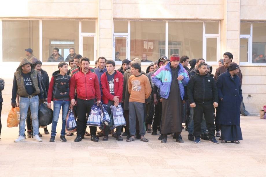 """صورة المفرج عنهم من سجون """"قسد"""" في مدينة الرقة"""