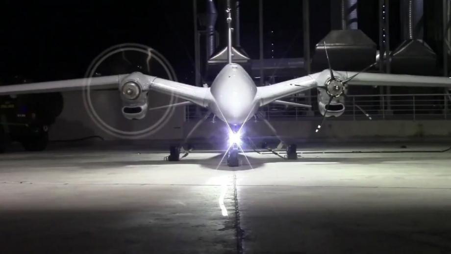 تتميز الطائرة بقدرات عالية وأنظمة تكنولوجية متطورة