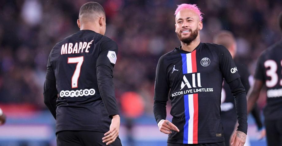 """كان نادي """"باريس سان جيرمان"""" متصدر الدوري برصيد 68 نقطة في 27 مباراة"""