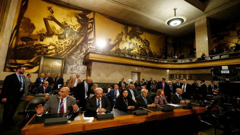 أعضاء من وفد المعارضة في جنيف