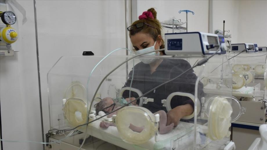 أطفال حديثي الولادة في تل أبيض.jpg
