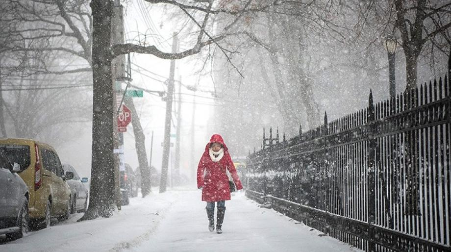 تبلغ العاصفة الثلجية في إسطنبول ذروتها الاثنين
