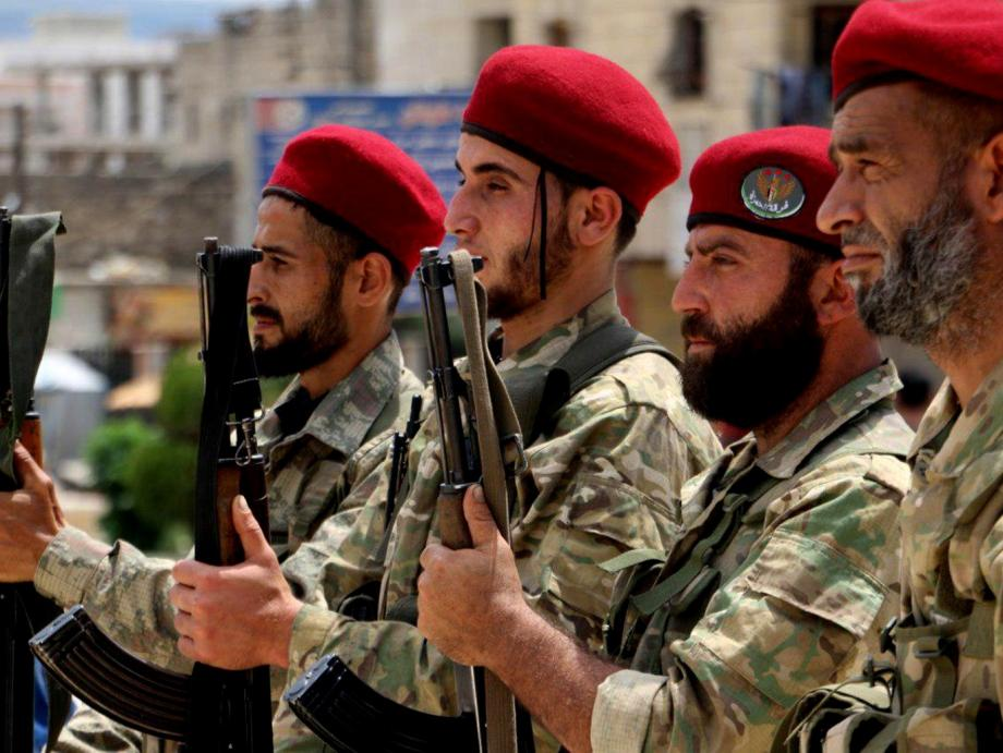 عناصر من الجيش الوطني السوري