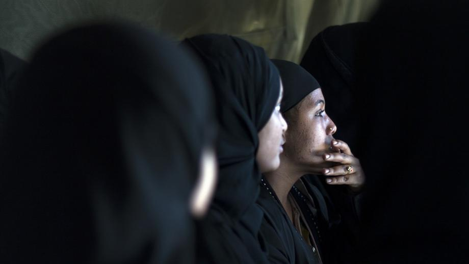 مكتب الهجرة الفلبيني يُحقق في حادثة تهريب 44 امرأة إلى سوريا