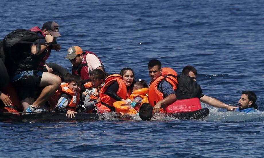 المهاجرين كانوا على متن قاربين من المطاط