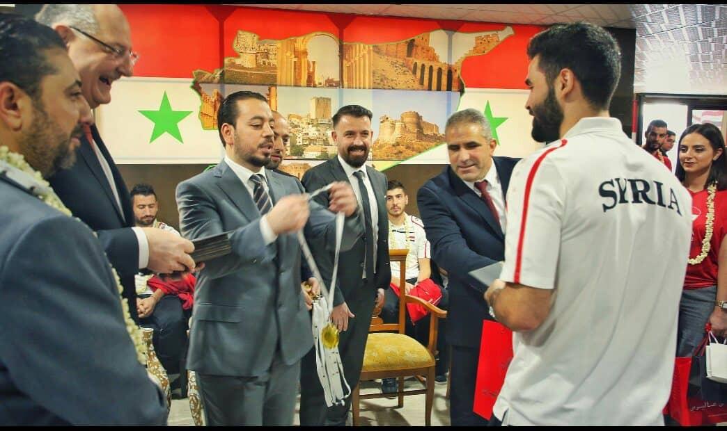 السفارة-السورية-في-أبو-ظبي-تكرم-المنتخب-السوري-لكأس-آسيا-3.jpg